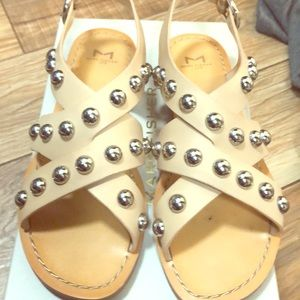 Natural leather sandals with studs